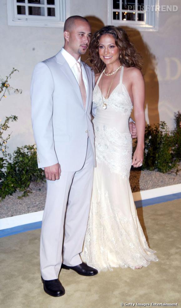 Jennifer Lopez s'est mariée deux fois en Vera Wang.