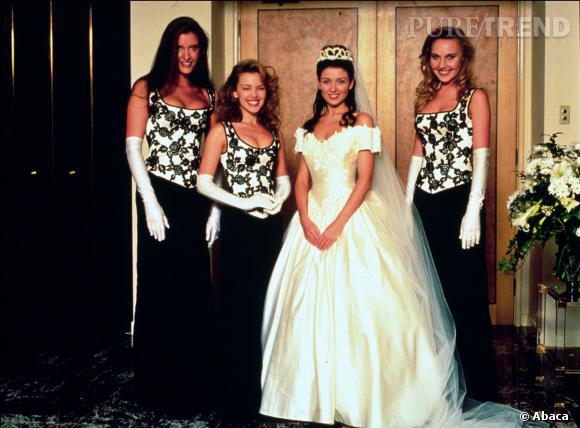 Danni Minogue s'est mariée dans une robe typique des années 90...