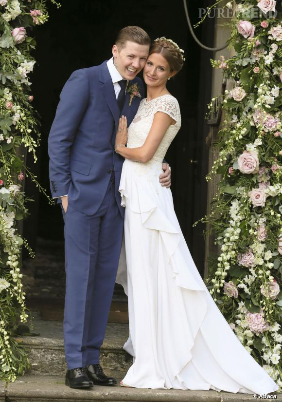 Pour son mariage avec le chanteur Professor Green, Millie Mackintosh choisit une robe d'une créatrice anglaise, Alice Temperley.