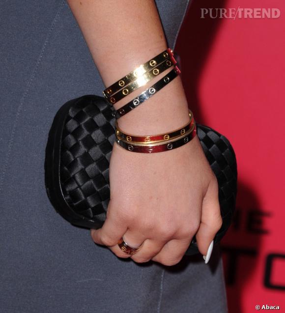 Kylie Jenner et son bracelet LOVE.