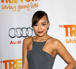 Ashley Madekewe toujours aussi fan de son bracelet LOVE.