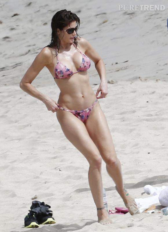 Stephanie Seymour, supertop des 90's, est toujours sublime, à 45 ans.