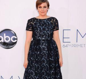 cd2d87ea95e Lena Dunham très élégante sur le red carpet.