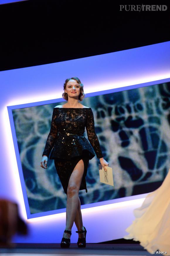 César 2014 : Sara Forestier a osé un fendu étourdissant.