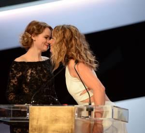 César 2014 : Sara Forestier est venue remettre le César du meilleur réalisateur à Roman Polanski pour La Vénus à la fourrure aux côtés de la maitresse de cérémonie Cécile de France.