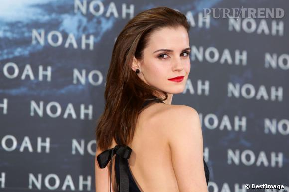 """Emma Watson, femme fatale sur le tapis rouge de la première de """"Noé"""" à Berlin, le 13 mars 2014."""