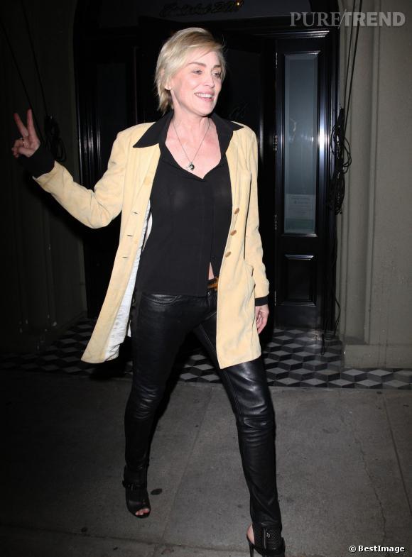 Sharon Stone, un sex appeal hors norme à 56 ans, le 22 mars 2014. Elle opte pour la transparence portée sans soutien-gorge !