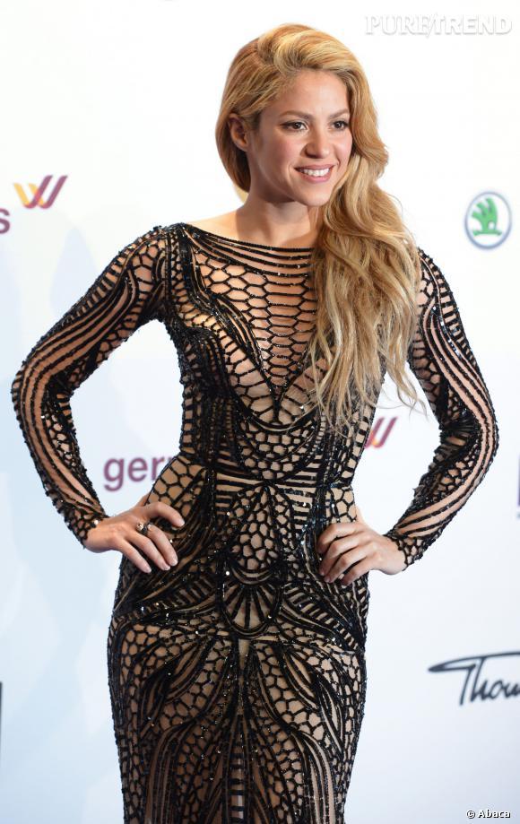 Shakira, robe audacieuse et ultra-sexy pour les Echo Music Awards, à Berlin, le 27 mars 2014.