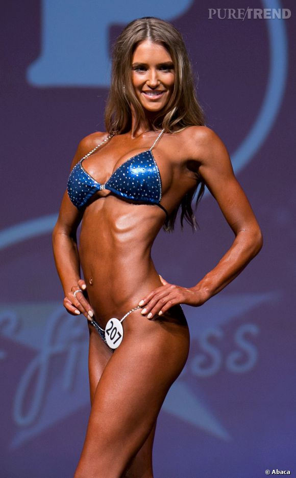 Le 6 avril 2014 à Miami, Danica Thrall a remporté le prix de la Femme la plus sexy en bikini au Miami Pro World Championships.