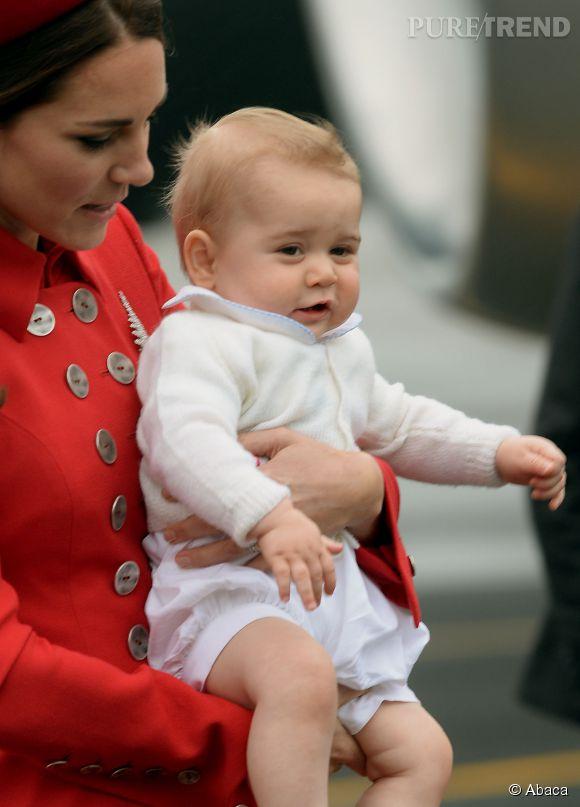 Le Prince George fait sa première apparition officielle en Nouvelle-Zélande le 7 avril 2014 dans les bras de sa maman.