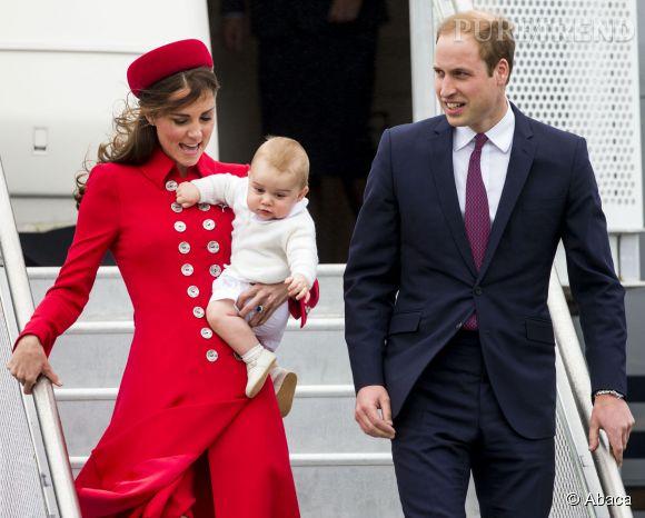 Kate Middleton, Prince William et le petit héritier sont reçus en triomphe en Nouvelle-Zélande pour leur voyage officiel.