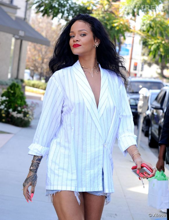 Rihanna, look ultra-sexy et tendance pour une virée shopping à LA le 22 avril 2014.
