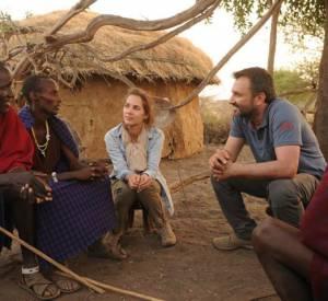 """Mélissa Theuriau et Frédéric Lopez en Tanzanie pour """"Rendez-vous en terre inconnue""""."""