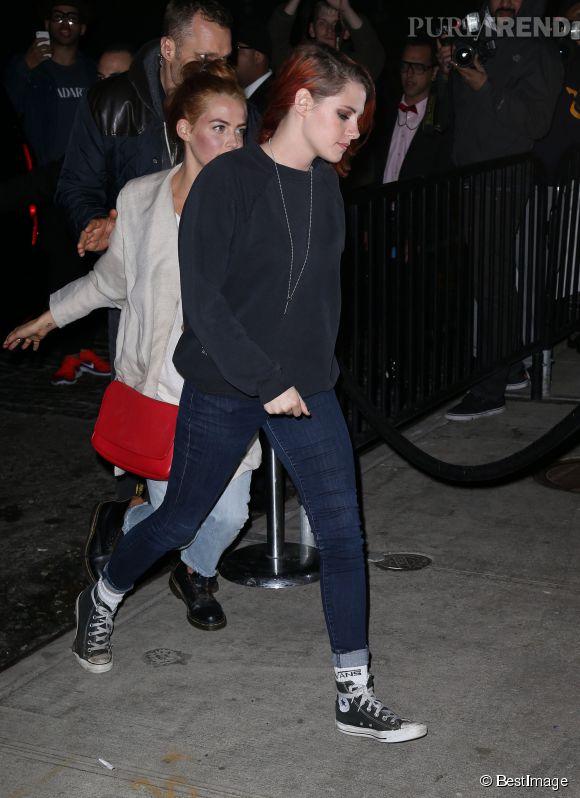 Kristen Stewart sort de l'after party du Met Ball en jean et baskets, le 5 mai 2014.