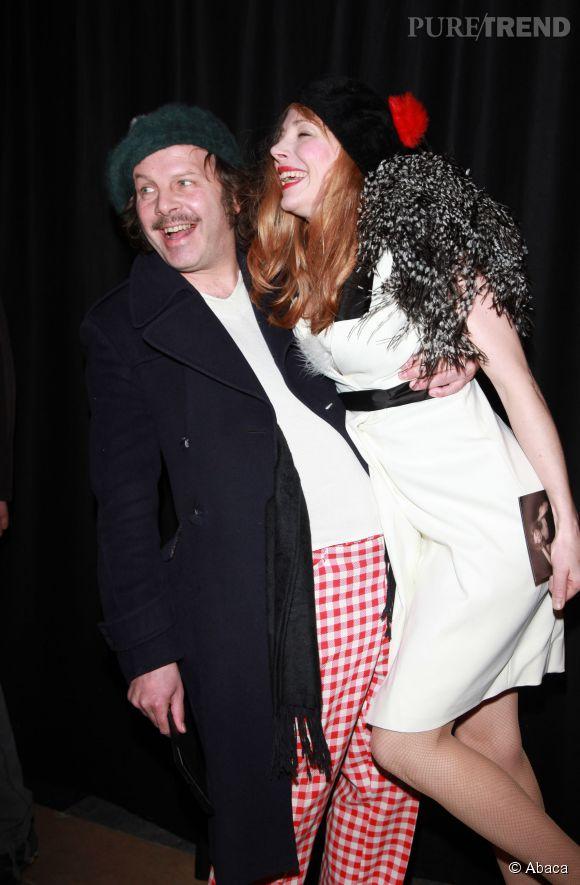 Philippe Katerine et julie Depardieu s'éclatent à Paris le 23 janvier 2012 au défilé Etam Lingerie.