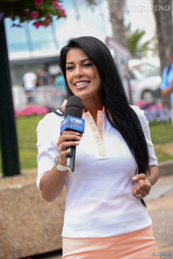 """Ayem se confie à Malika Ménard sur ses projets à venir à la télévision pour l'émission """"Dans le sac de...""""."""