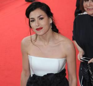 """Olivia Ruiz en Paule Ka lors de la montée des marches du film """"Foxcatcher"""" le 19 mai 2014 à Cannes."""
