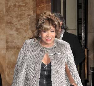 Tina Turner, contrairement aux rumeurs qui disent qu'elle a été victime d'un AVC, son porte-parole affirme au Mail Online que la chanteuse est en pleine forme.