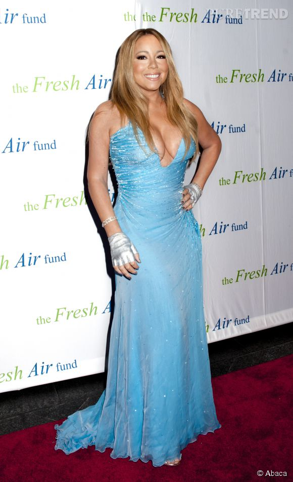 Mariah Carey, too much dans sa robe bleue ?