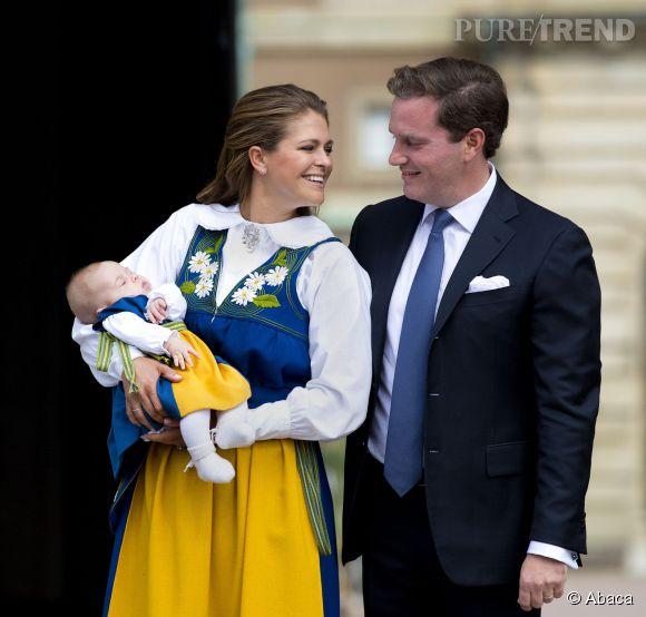 Princesse Madeleine de Suède présente officiellement sa fille lors de la fête nationale le 6 juin 2014.