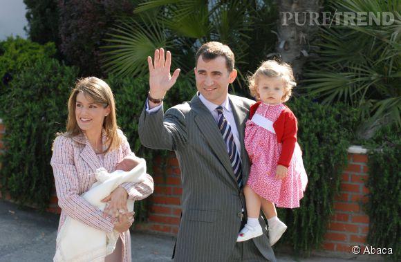 Le 4 mai 2007, Letizia Ortiz sort de l'hôpital Ruber Internacional avec dans les bras la petite Sofia. Pour l'occasion, son mari Felipe et Leonor l'accompagnaient.
