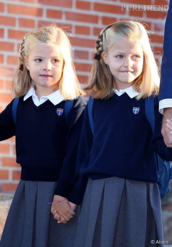 Les sœurs (presque jumelles) d'Espagne lors de leur rentrée des classes en septembre 2012.
