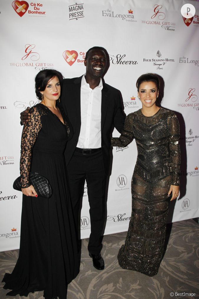 omar sy toujours tr s bien entour e entre eva longoria et sa femme h l ne. Black Bedroom Furniture Sets. Home Design Ideas