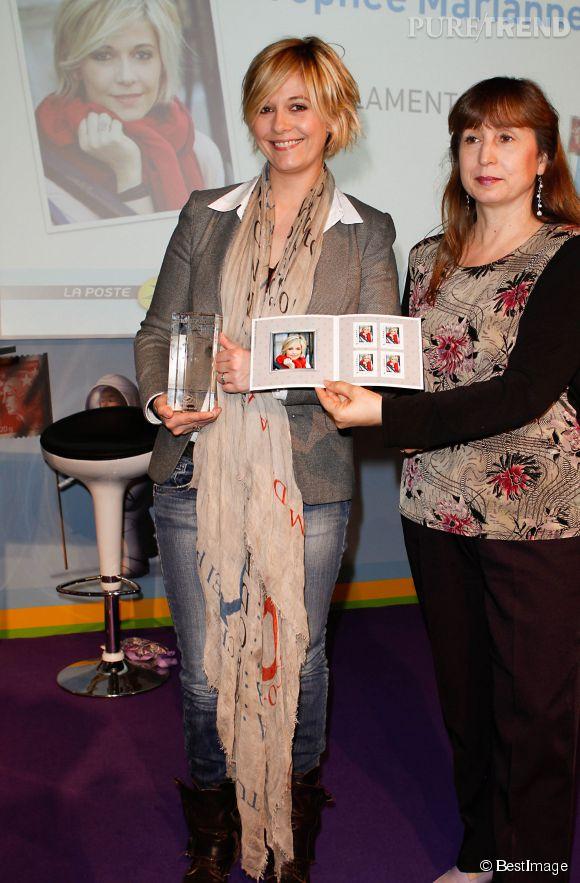 Pour ses bonnes performances à la radio, Flavie Flament reçoit le trophée Marianne en 2012.