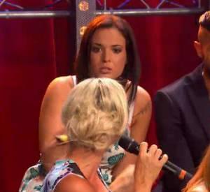 Dimanche 6 juillet 2014, Amélie Neten et Kelly Helard ont eu une très grosse dispute sur NRJ12, lors de la soirée de retrouvailles des Anges 6.