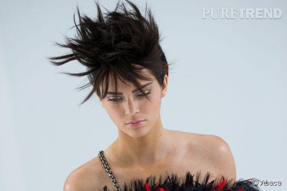 Kendall Jenner Coiffure Punk Au Defile Haute Couture Automne Hiver 2014 2015 Au Grand Palais A Paris Le 8 Juillet 2014 Puretrend