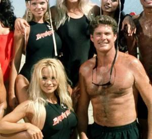 """Pamela Anderson et David Hasselhoff rempilent dans le spin-off de """"Alerte à Malibu""""."""