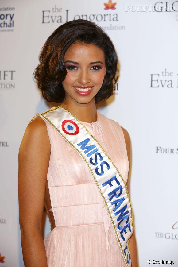 Flora Coquerel, Miss France 2014, lors de la soirée Global Gift Gala à Paris, le 12 mai 2014. La jeune femme écume les élections de miss régionales pour dénicher la perle rare.