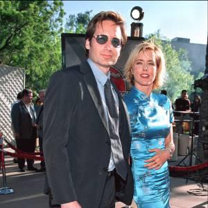 """David Duchovny et sa femme Tea Leoni à la première du film """"Jurassic Park III"""" en 2001."""