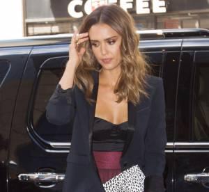 Jessica Alba glamour et sexy à souhait, on copie le look !