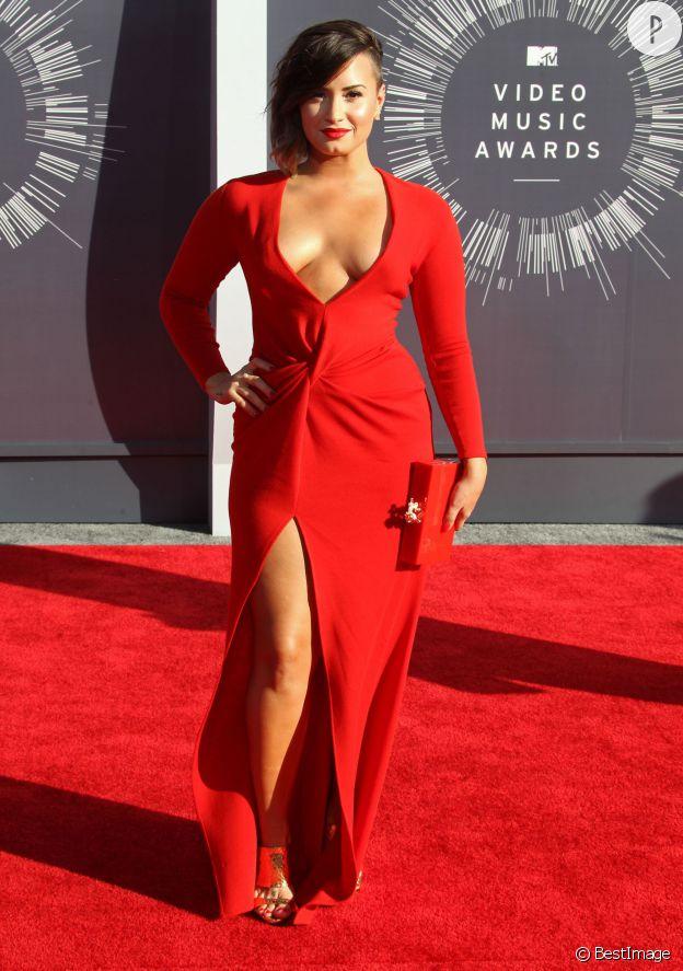 Demi Lovato glamourissime aux MTV Video Music Awards.
