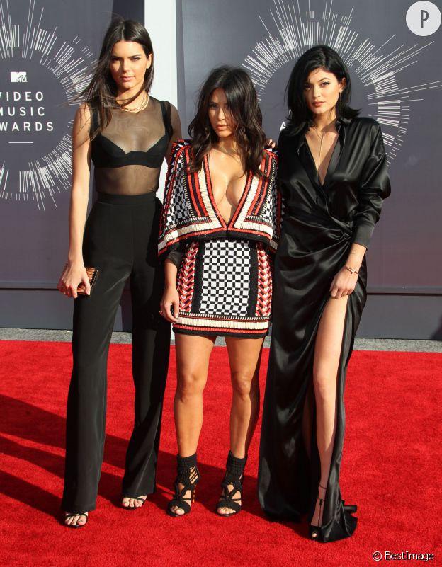 Kylie Jenner, Kim Kardashian et Kylie Jenner aux MTV Video Music Awards