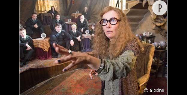 """Emma Thompson dans le rôle du professeur Trelawney dans """"Harry Potter""""."""