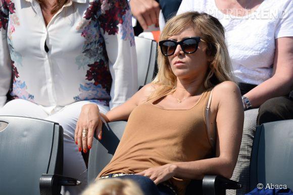 Enora Malagré à Roland Garros en juin dernier. La belle jouait aux pin-up... Prise en photo topless sur la plage, elle se la raconte un peu moins !