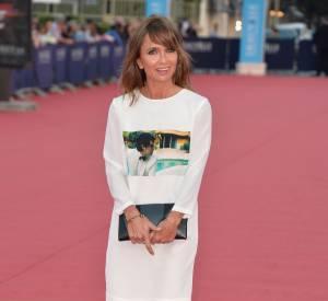 Axelle Laffont ose le glamour rigolo sur le red carpet le 11 septembre 2014 à Deauville.