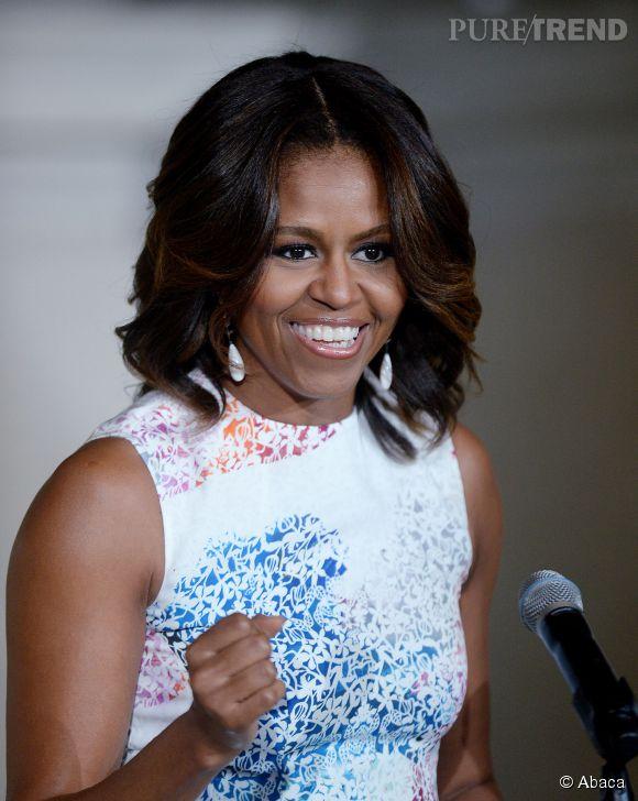 Michelle Obama assume à fond son statut d'icône mode et d'experte en la matière. Elle organise le tout premier atelier éducatif autour de la mode au sein de la Maison Blanche le 8 octobre prochain.