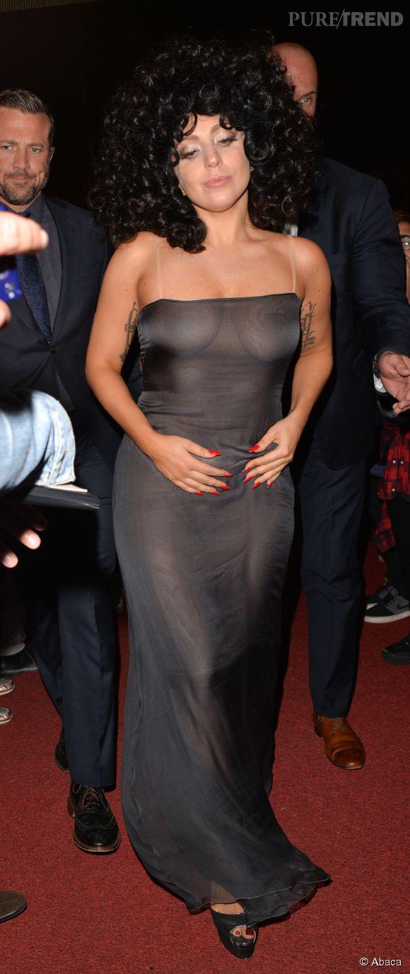 Lady Gaga à moitié nue dans un club belge le 22 septembre 2014.