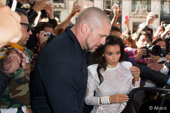 Kim Kardashian n'était déjà pas vraiment rassurée en sortant de la voiture...