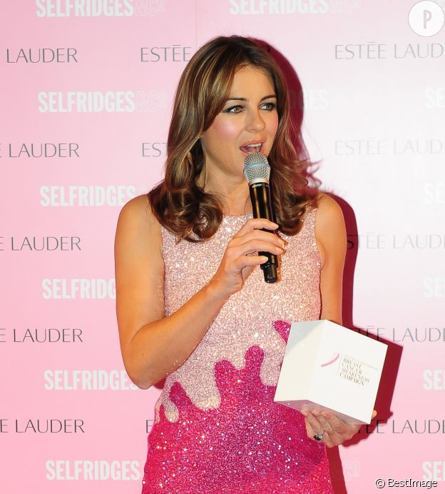 Elizabeth Hurley lors d'une soirée chez Selfridges pour la lutte contre le cancer du sein.