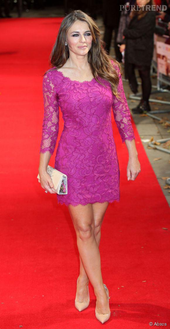 Liz Hurley très sexy dans sa petite robe en dentelle à Londres le 7 octobre 2014.