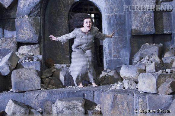 """Bellatrix Lestrange incarnée par Helena Bonham Carter dans la saga """"Harry Potter"""" est clairement la plus effrayante de toutes les sorcières."""