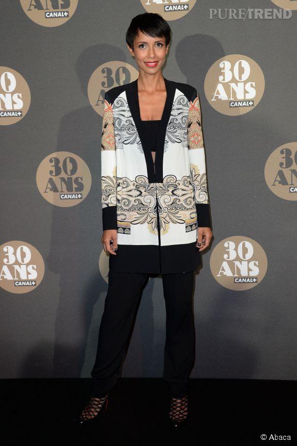 Sonia Rolland en mode graphique à la soirée des 30 ans de  Canal+  au Palais de Tokyo à Paris le 4 novembre 2014.