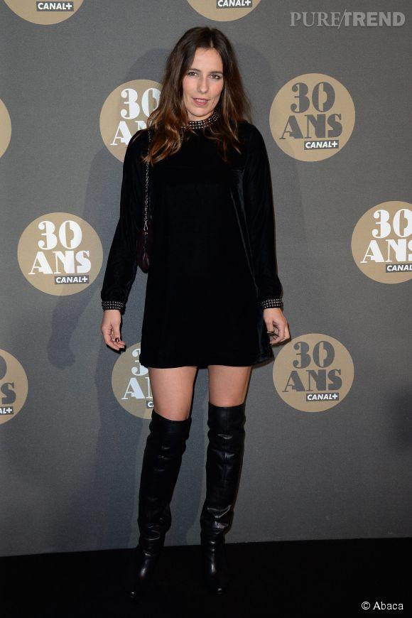 Zoé Felix, la petite robe noire sexy de la soirée des 30 ans de  Canal+  au Palais de Tokyo à Paris le 4 novembre 2014.