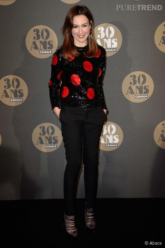 Elsa Zylberstein nous en met plein la vue à la soirée des 30 ans de  Canal+  au Palais de Tokyo à Paris le 4 novembre 2014.