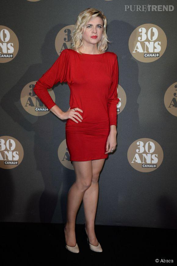 Cécile Cassel mise sur sa couleur fétiche à la soirée des 30 ans de  Canal+  au Palais de Tokyo à Paris le 4 novembre 2014.