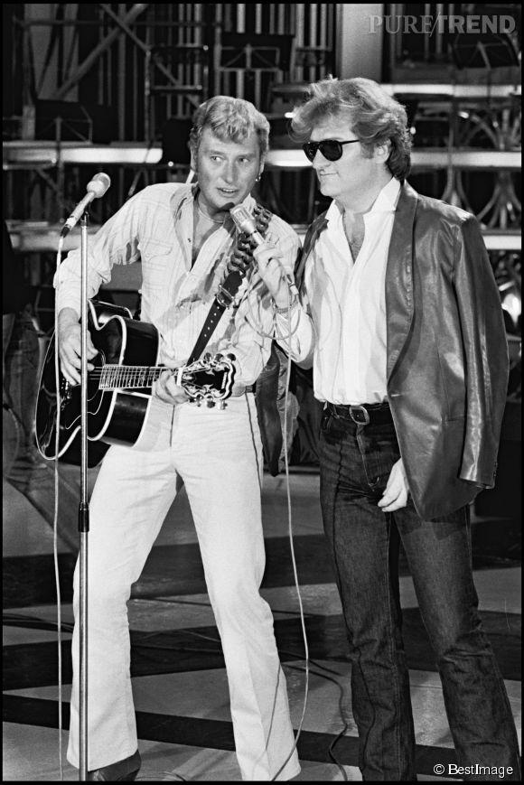 """Johnny Hallyday et Eddy Mitchell sur le plateau de l'émission """"Palmares 80"""" en 1980."""